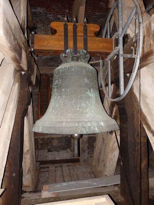 Mittlere Glocke: 1849 von Simon Zach in Stralsund umgegossen, Bronze, d=1,25 m