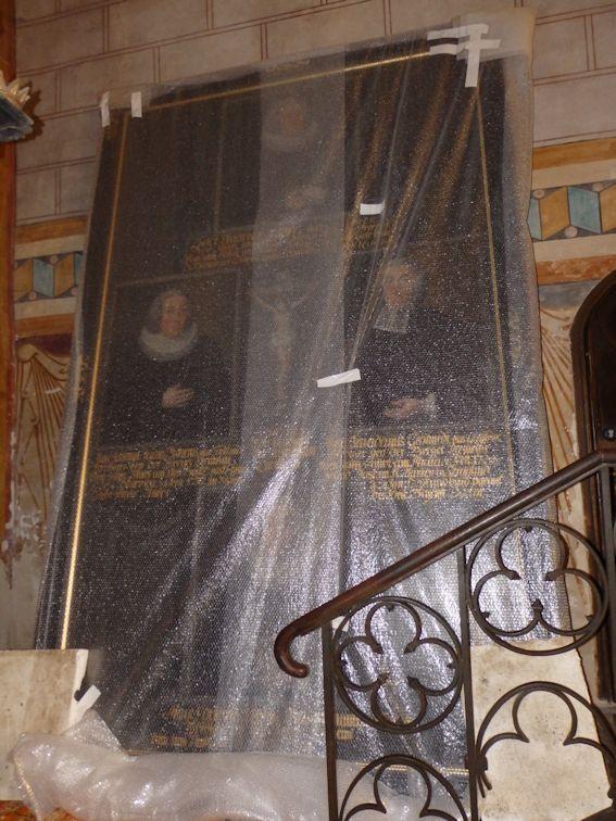 Ritterbild in der Kirche angekommen