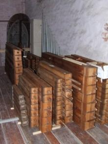 Ausgebaute Holzpfeifen